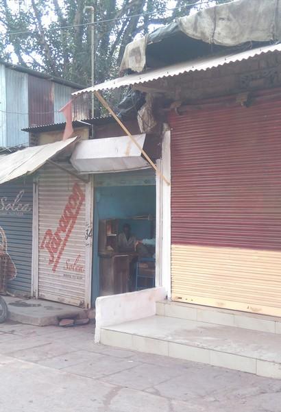 Osho Barber's shop, Gadawara - 20181023