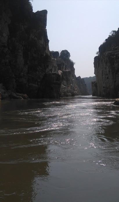 Osho's Marble Rock River, Bheda Ghat, Jabalpur - 20181024